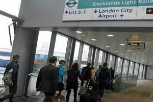 الشرطة البريطانية تعلن العثور على عبوات ناسفة في مطارين ومحطة قطار في لندن